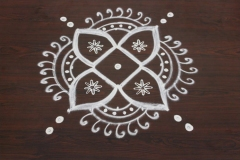Rangoli-designs-for-diwali-with-dots-7