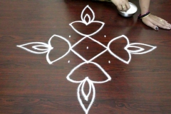 Rangoli-designs-for-diwali-with-dots