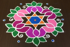 Rangoli-Designs-for-Pongal-With-Dots-10