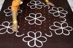 Rangoli-Designs-for-Pongal-With-Dots-3